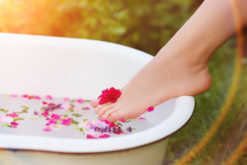 Resultado de imagem para banho de pés