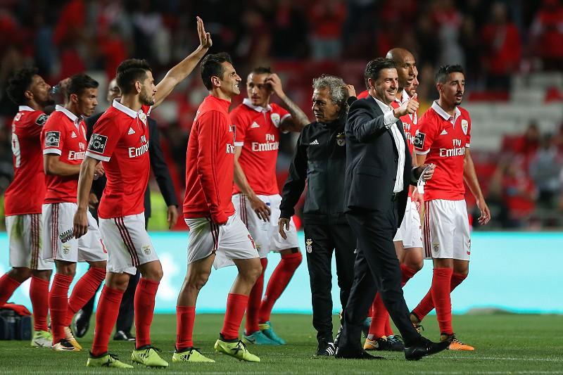 Rui Vitória celebra o triunfo do Benfica contra o SC Braga.