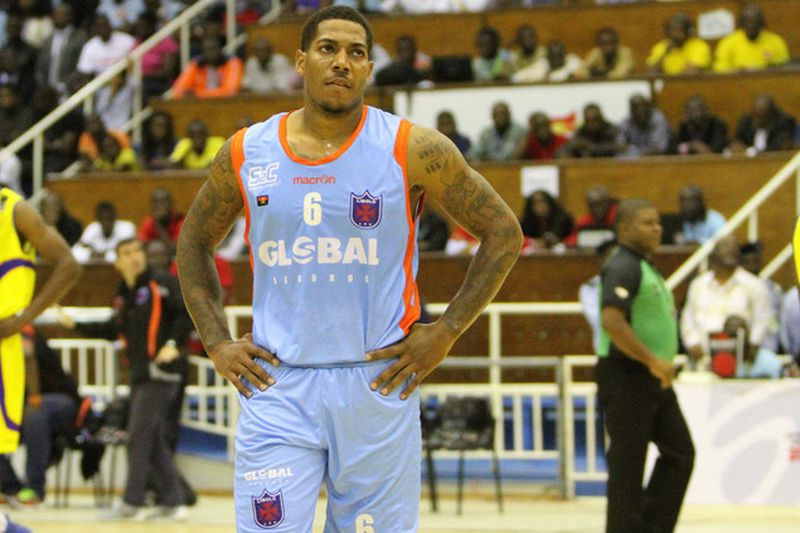 Carlos Morais, jogador de basquetebol do Recreativo do Libolo • Angop