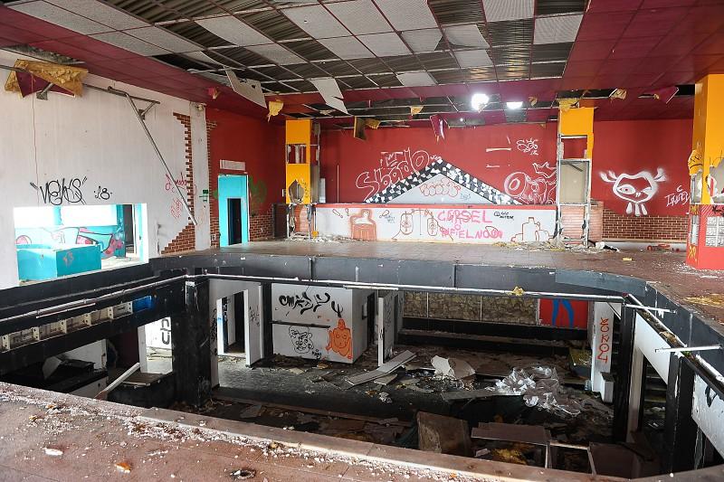 0ce73e6a4da Discotecas dos anos 80 abandonadas na região Centro apenas sobrevivem na  memória