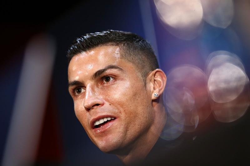 4c4b76d1d5b Ronaldo dá nas vistas em conferência com relógio que vale milhões ...