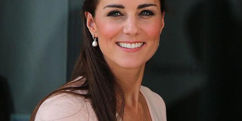 0790260fb Sabe quanto é que Kate Middleton gastou em roupa em 2017 ...