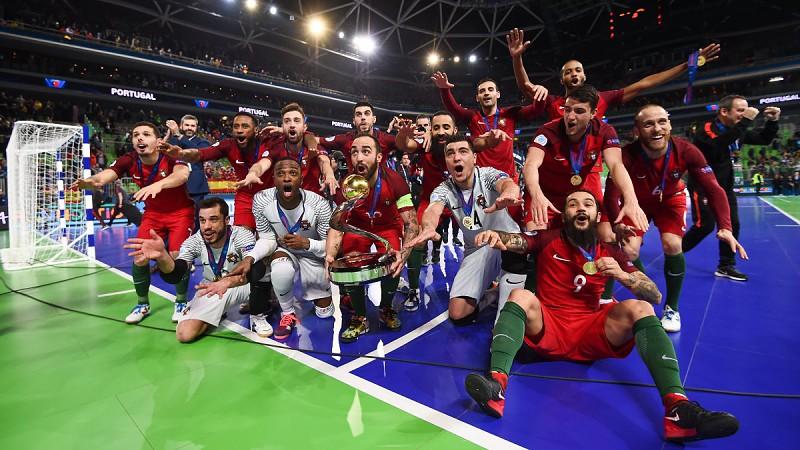 Janeiro a março de 2018  Portugal campeão europeu de futsal e Bruno de  Carvalho legitimado ae87519b48b0c