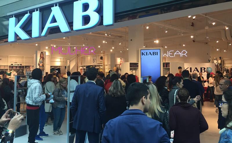 fc0156e39c6 Abertura da loja da Kiabi leva milhares de pessoas ao Fórum Sintra ...