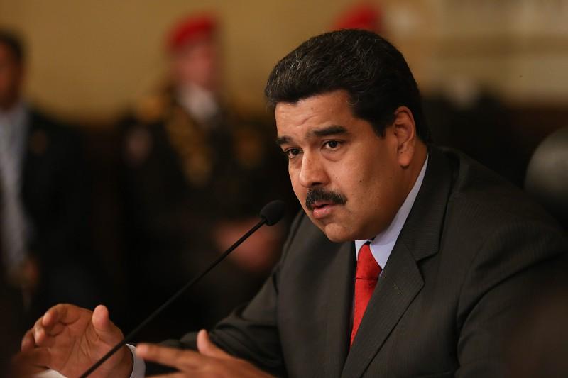 Venezuela: Duas explosões obrigam Nicolás Maduro a suspender cerimónia oficial