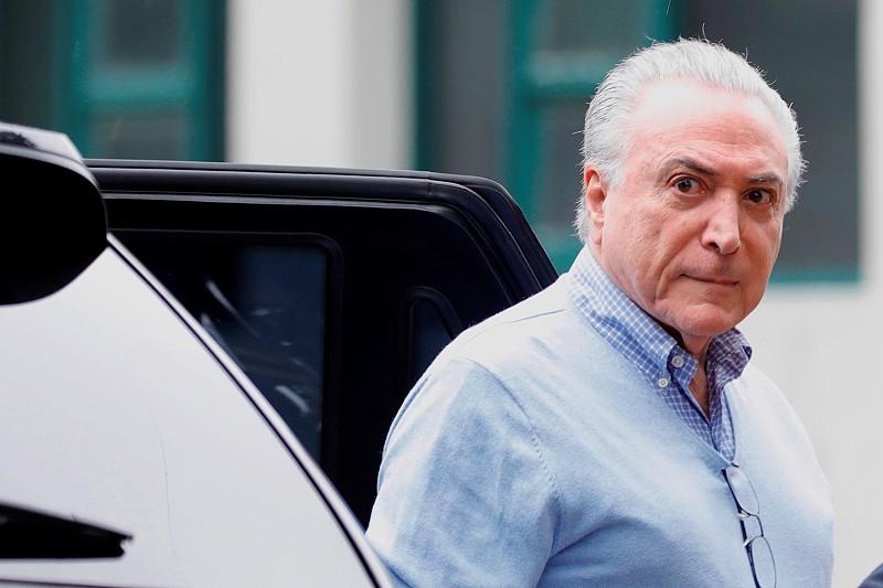 Resultado de imagem para Brasil: Juiz ordena libertação do ex-presidente Michel Temer