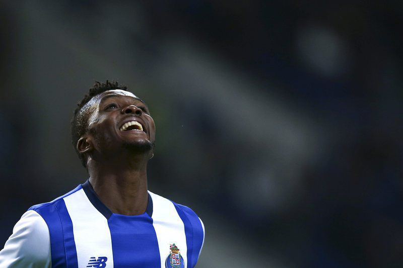 FC Porto vs Gil Vicente • epa05191632 FC Porto's Chidozie Awaziem celebrates after scoring against Gil Vicente during the Portuguese Cup semi final, second leg soccer match t Dragao stadium, in Porto, Portugal, 02 March 2016.  EPA/ESTELA SILVA • Lusa