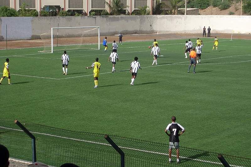 50efcca9d54f4 Treinador português sagra-se campeão regional em Cabo Verde Spartak Fogo  defronta ...