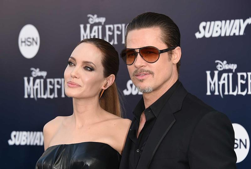 cec464f0f7707 Pandã  Brad Pitt gosta de ficar parecido com as mulheres com quem ...