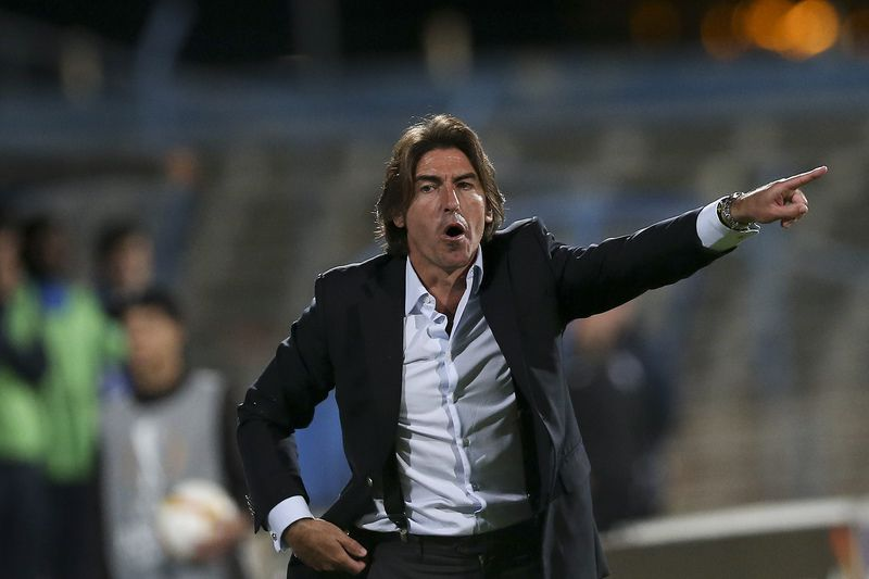 53fc455fe2174796f159f9fe472bed3870570126.jpg • Belenenses's head coach Sa Pinto reacts during the UEFA Europa League Group I match against  KKS Lech Poznan at Restelo Stadium in Lisbon, Portugal, 26th November 2015. JOSE SENA GOULAO/LUSA • LUSA