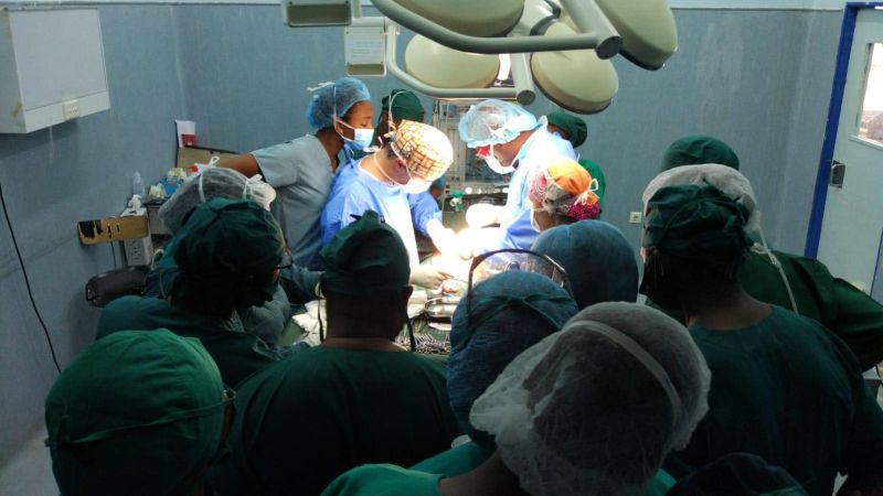 Primeira cirurgia de ambulatório em Moçambique foi realizada por médicos portugueses