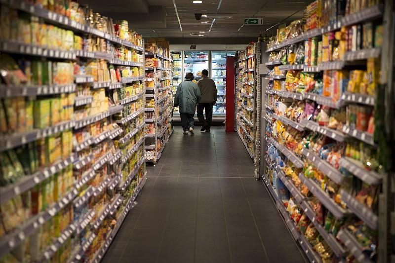 """Resultado de imagem para Seis grupos de supermercados acusados de """"práticas equivalentes a cartel"""""""