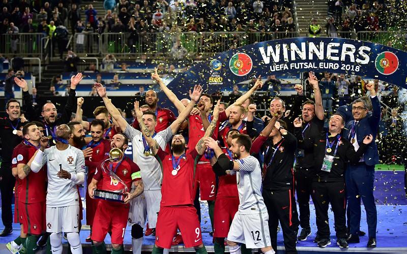 Somos campeões da Europa! E agora  - Desporto - SAPO 24 7b458618ed131