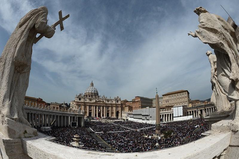 No Vaticano, as paredes dos edifícios são pintadas com leite