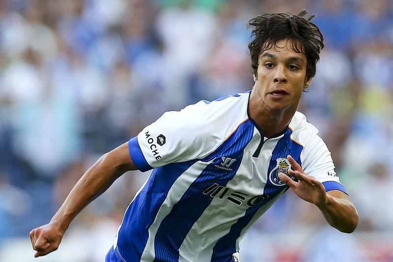 Óliver chamado à seleção espanhola de sub-21 - I Liga - SAPO Desporto 1d8b7104e8e45