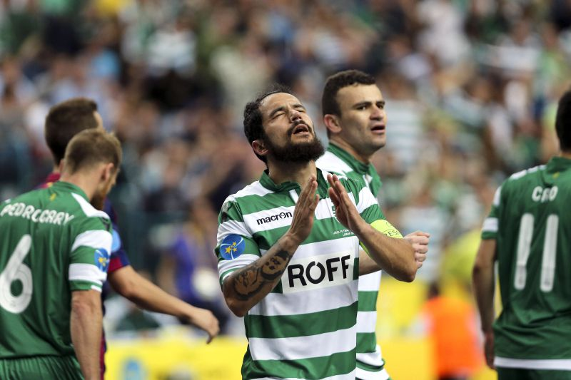Sporting CP futsal player João Matos celebrates after scoring a goal to Barcelona during the UEFA Futsal semi-final at Meo Arena in Lisbon, Portugal, April 24, 2015. MIGUEL A. LOPES/LUSA