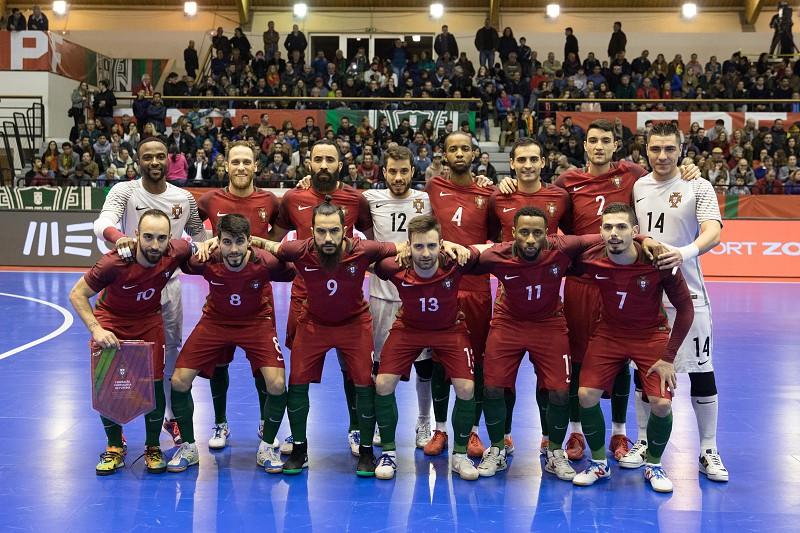Futsal  Portugal estreia título europeu em dois particulares frente à Sérvia b8ff8c0885a68