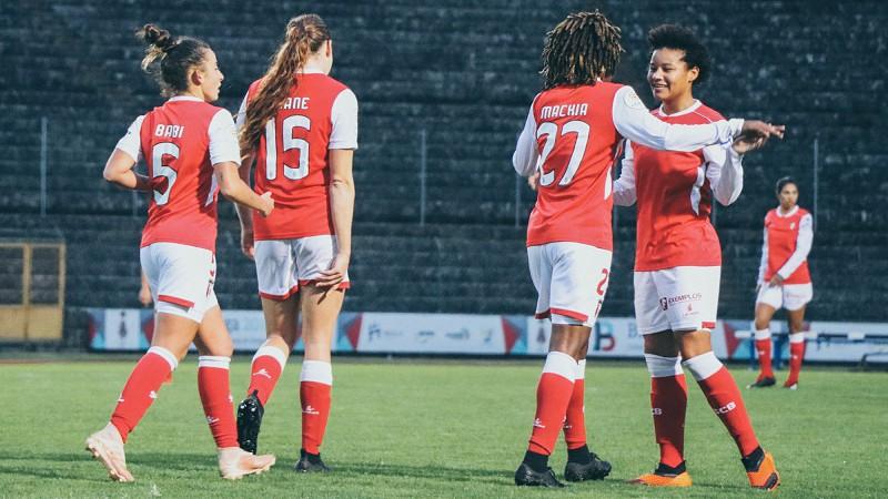 Futebol Feminino  SC Braga vence Sporting e consolida liderança ... 55f780efcf6df