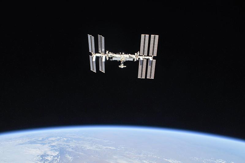 20 anos de Estação Espacial com muitas curiosidades e as melhores imagens da Terra