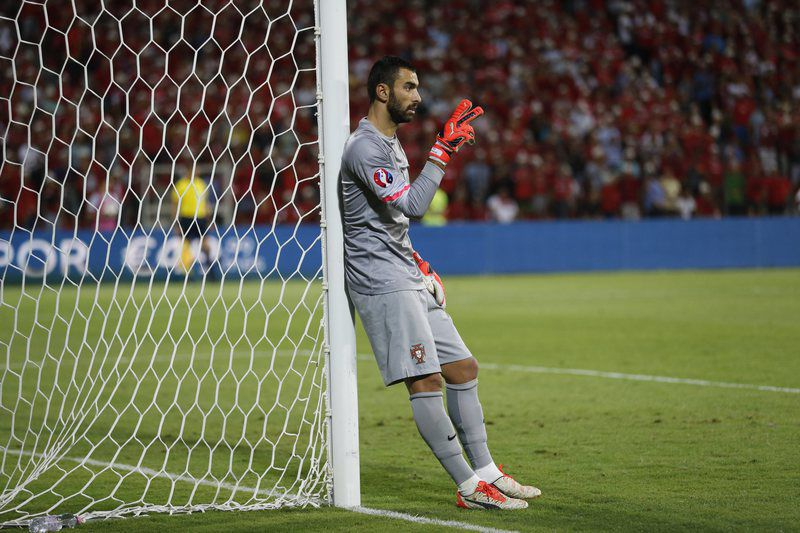 Albania vs Portugal • epa04919179 Goalkeeper Rui Patricio of Portugal reacts  during the UEFA EURO 2016 qualifying soccer match between Albania and Portugal in Elbasan Arena in Elbasan, Albania, 07 September 2015.  EPA/ARMANDO BABANI • Lusa
