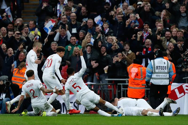 a8c1ee1e05 Inglaterra vence Croácia e junta-se a Portugal na  final four  da Liga
