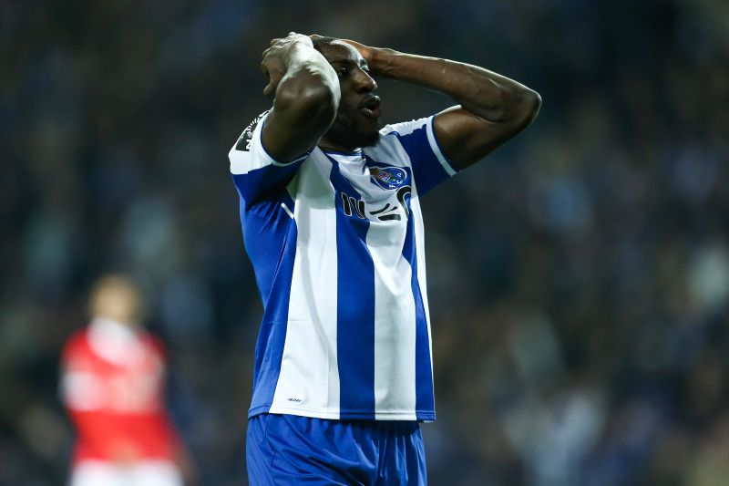 FC Porto's player Moussa Marega reacts after missing a goal against Benfica during their Portuguese First League soccer match held at Dragao stadium in Porto, Portugal, 01 December 2017. MANUEL ARAUJO/LUSA