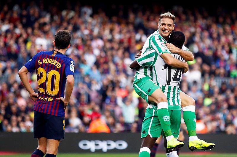 Jogo de loucos em Camp Nou. Bétis de William Carvalho vence Barcelona por 4- bb542dfbbdc92