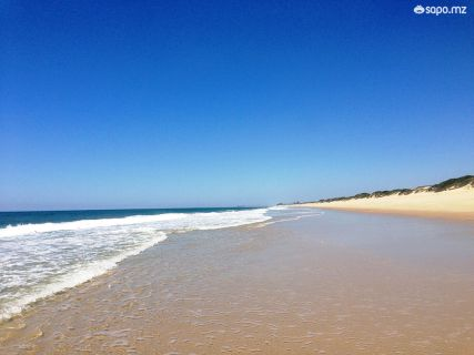 No início do Verão a praia ainda está vazia