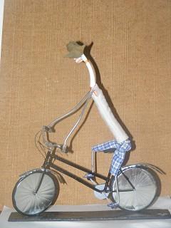Arte com escova de dentes - Ciclista