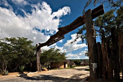 Entrada do Pululukwa Resort