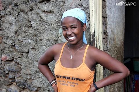 Maria Oliveira é a premeira mulher licenciada da comunidade