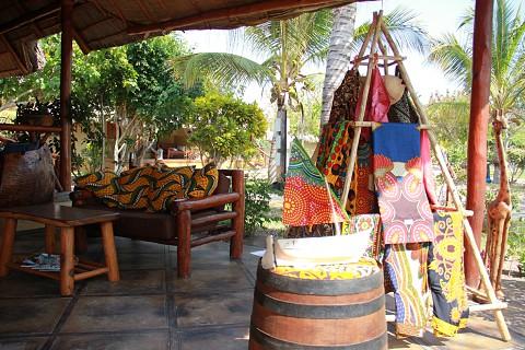 Há várias peças de artesanato da marca In Dico que podem ser compradas (SAPO MZ/Eliana Silva)