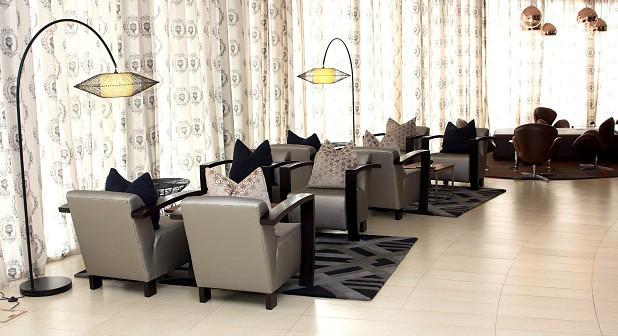 Hotel Terminus: Simplicidade e modernidade em Ndalatando