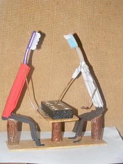 Arte com escova de dentes - Jogo de uril