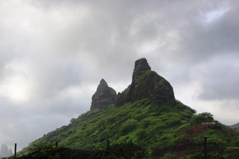 Basta cair um pouco de chuva e os vales e montanhas ficam verdes.
