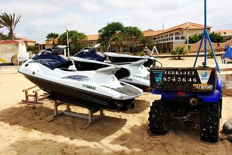Aluguer de barcos e moto 4