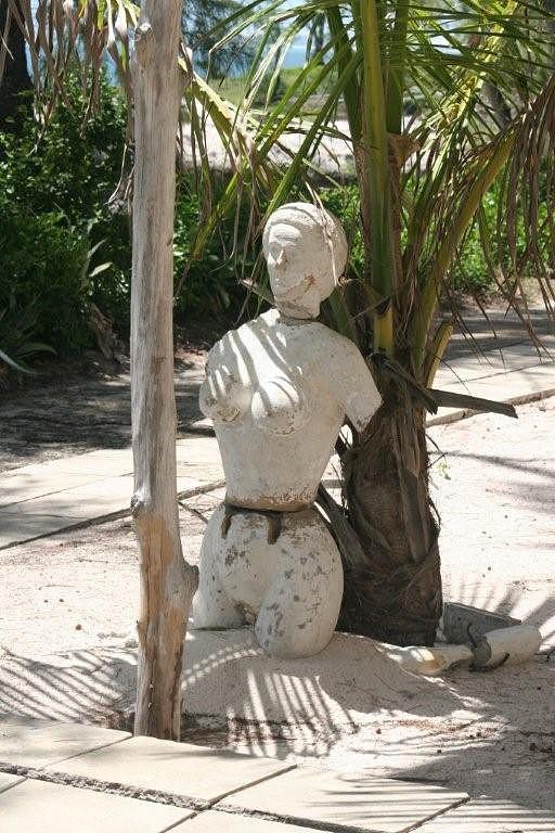 A estátua de Dª Ana