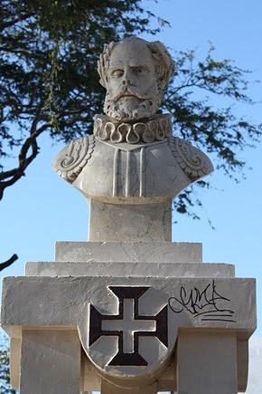 Estátua de Camões