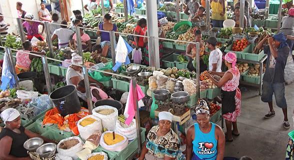 Produtos à venda no mercado do Plateau