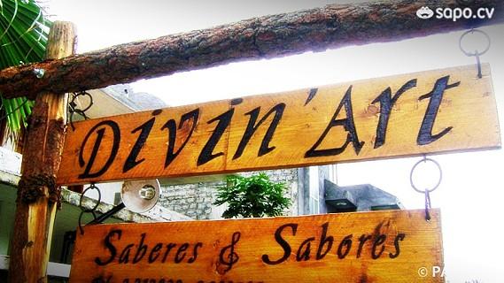 É uma casa de música, situada em Santo Antão, onde também são servidas refeições.