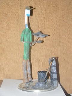 Arte com escova de dentes - Pedreiro