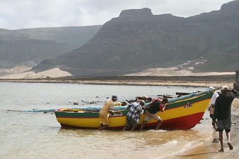 Pescadores da praia da Baía das Gatas