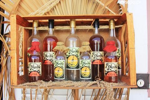 Grogue e licores de diversos sabores