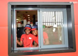 Inauguraçao do KFC do M. Bento-21