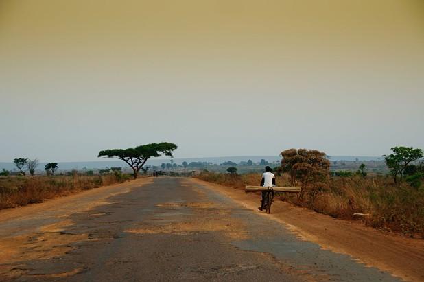 Construindo Caminhos para o Desenvolvimento Local em Angola