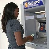 Cartões de débito são cada vez mais utilizados