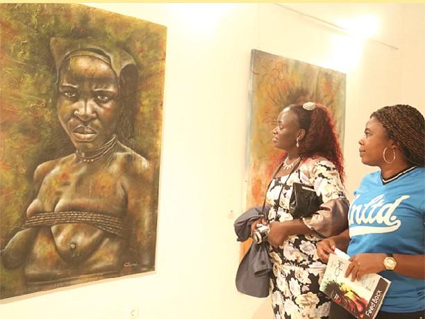 Feed Back de Guizef Impressão digital da mulher africana