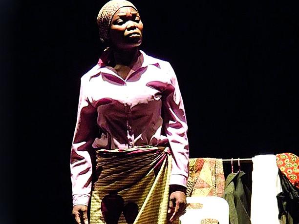 Arlete Bombi actriz Moçambicana moldada no calor da representação