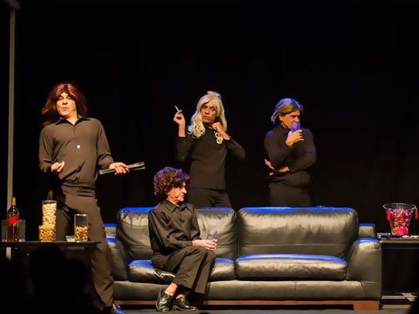 Quatro actores encenam todas  as mulheres