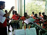 Kapossoka, sinfonias do fundo do mar nas mãos dos meninos da Samba
